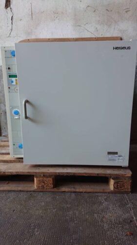 Thermo Heraeus Inkubator B 6200 mit 3x Einlegeböden